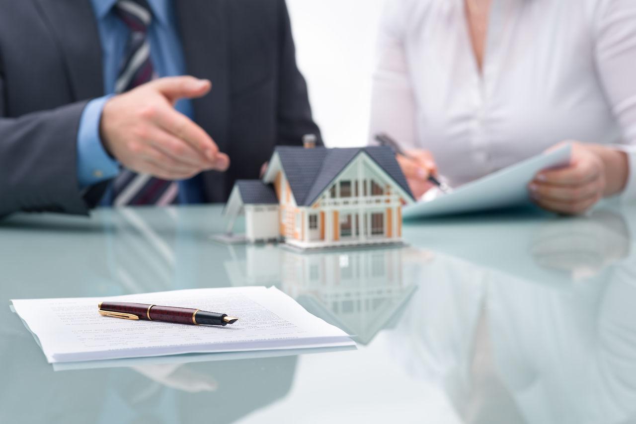 Юридическая помощь при сделках с недвижимостью в Днепре